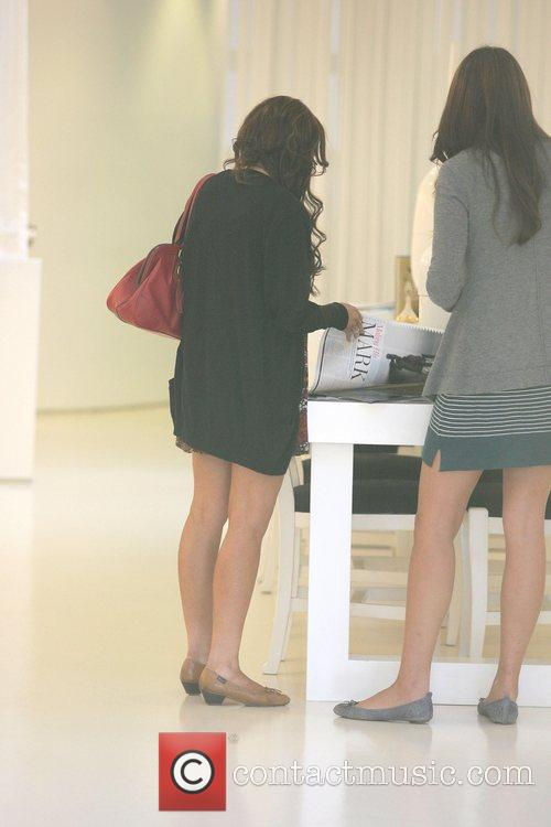 Lindsay Lohan leaving Chris McMillan Salon in Beverly...