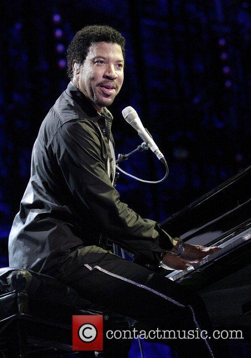 Lionel Richie 32