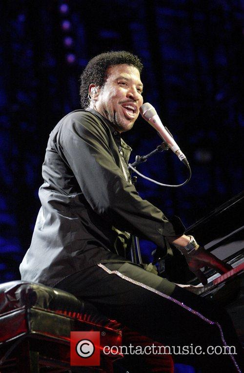 Lionel Richie 27
