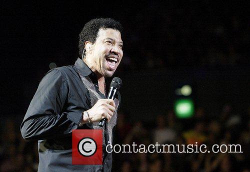 Lionel Richie 16