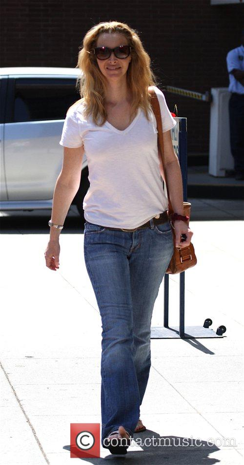Lisa Kudrow visits a medical centre in Beverly...