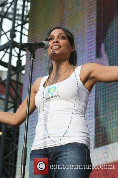 Rosario Dawson, Giants Stadium