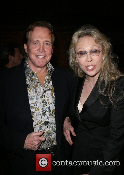 Lee Majors and Faye Dunaway 2