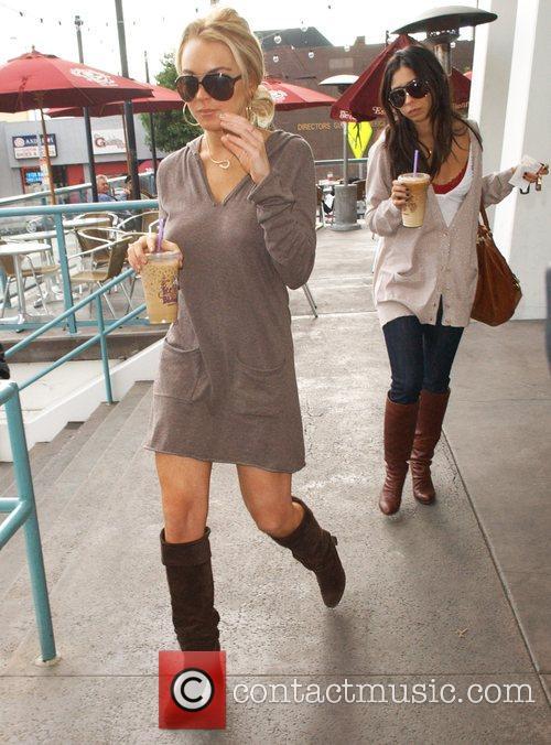Lindsay Lohan leaving The Coffee Bean & Tea...