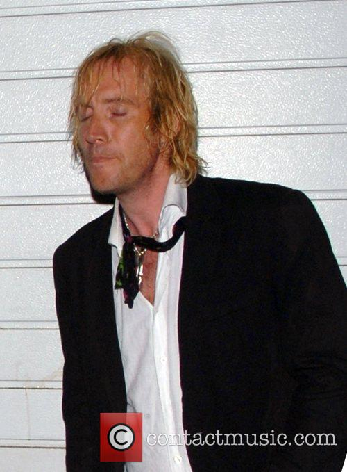 Rhys Ifans leaving the Lonsdale Bar in Notting...