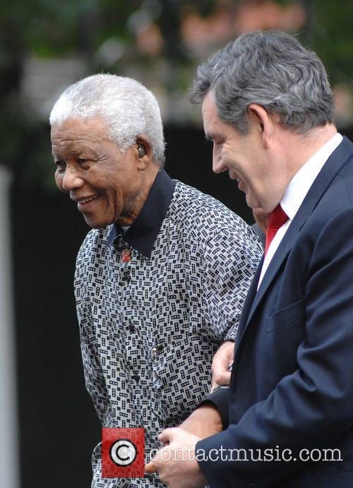 Nelson Mandela and Gordon Brown 3