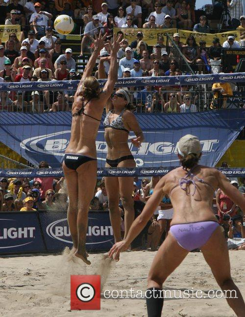 2007 Manhattan Womens Beach Volleyball Tournament