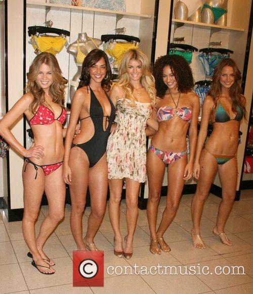 Unveils Victoria's Secret swim 2008 collection
