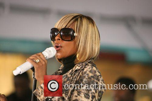 Mary J. Blige performs at the NBC toyota...
