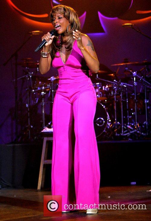 Mary J. Blige performs to a sold-out audience...