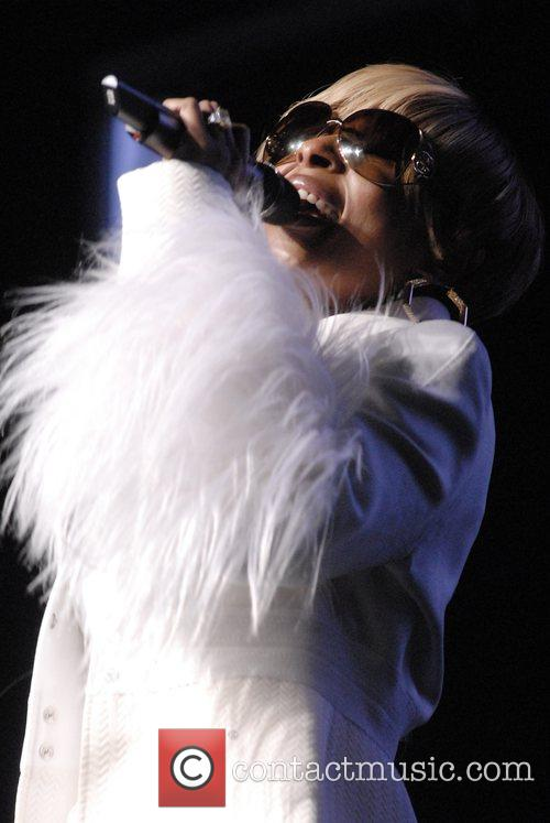 Mary J. Blige performing live at the Nokia...