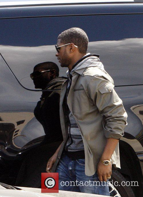 Usher and Usher Raymond 7