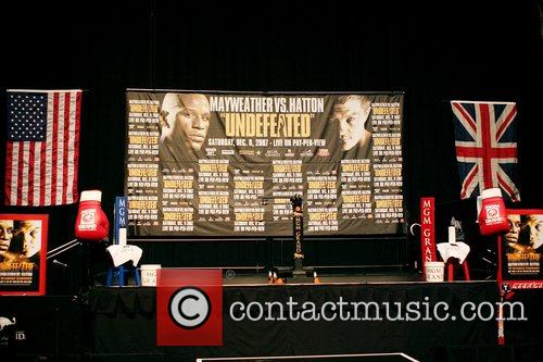 Floyd Mayweather Jr and Ricky Hatton Weigh-ins at...