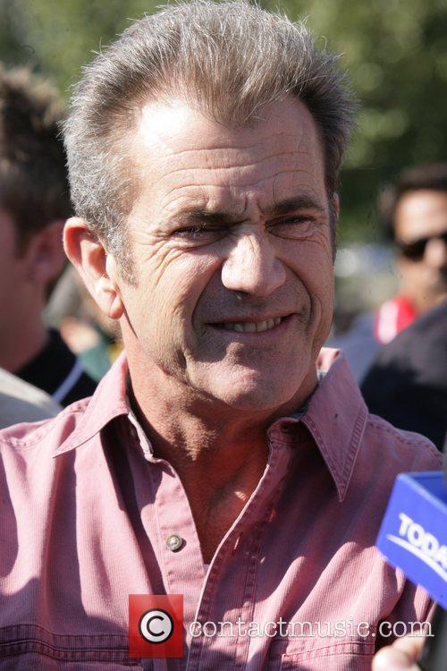 Mel Gibson 32