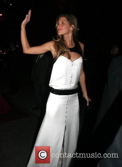 Gisele Bundchen 'Poiret: King of Fashion' Costume Institute...