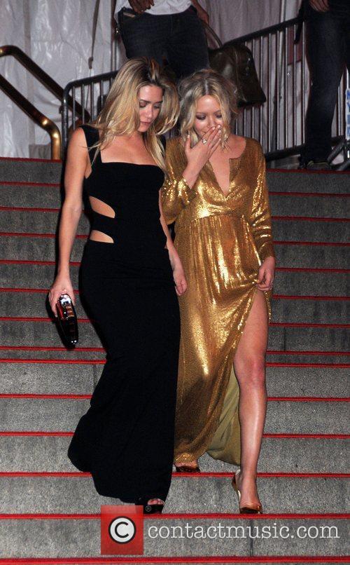Mary-Kate Olsen and Ashley Olsen Superheroes: Fashion and...