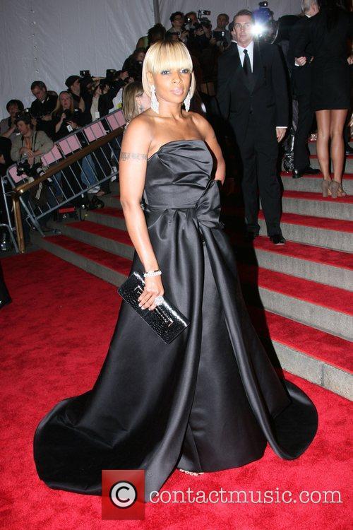 Mary J. Blige 'Superheroes: Fashion and Fantasy' Costume...