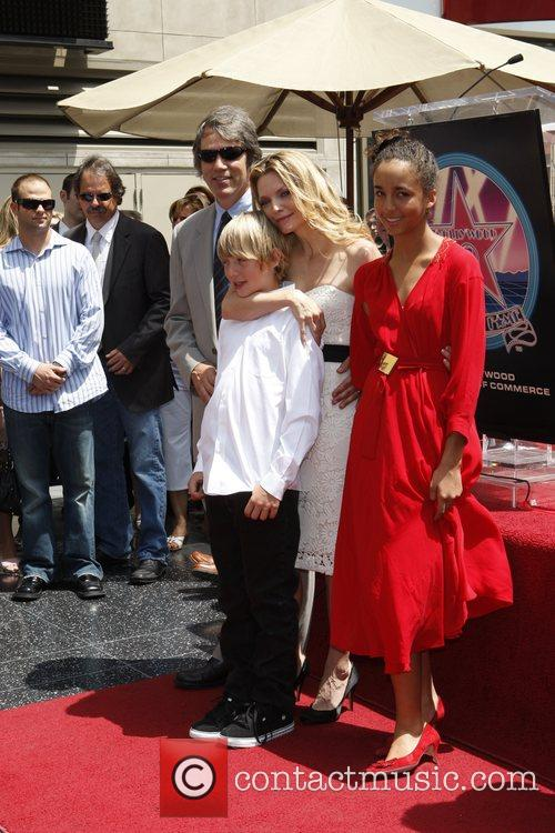 David E Kelley, Michelle Pfeiffer With Their Children Claudia and John 9
