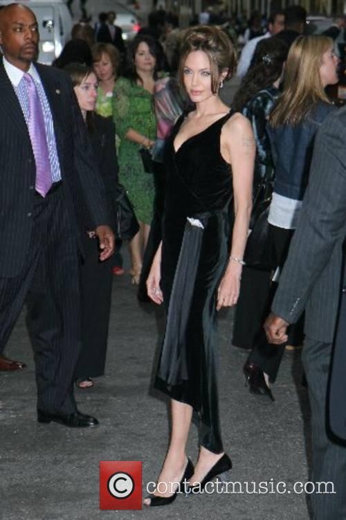 Angelina Jolie 27