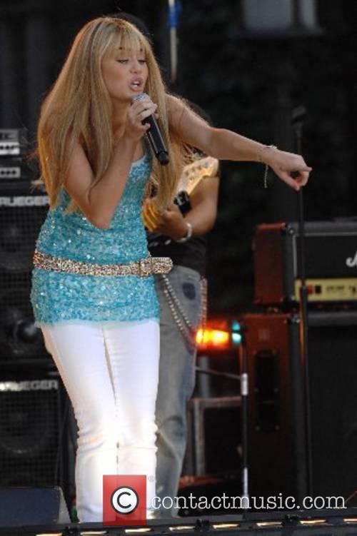 Miley Cyrus 4
