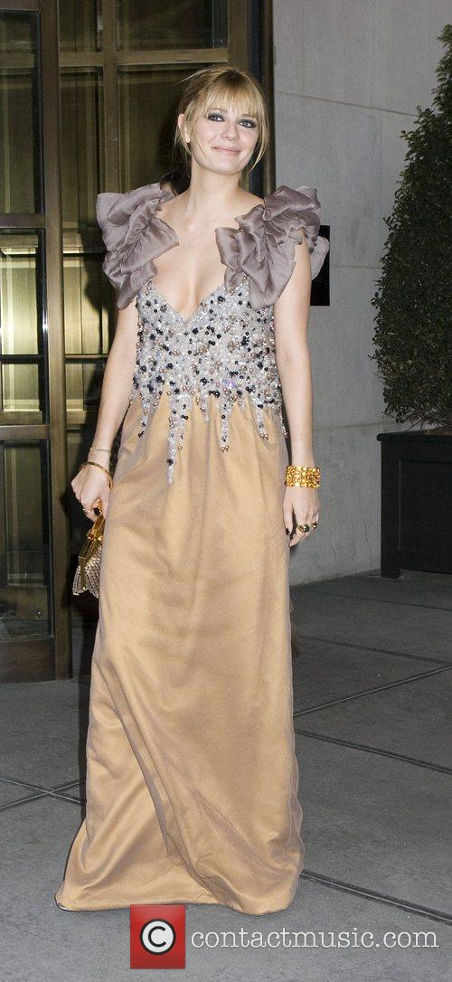 Mischa Barton leaving her hotel to go to...
