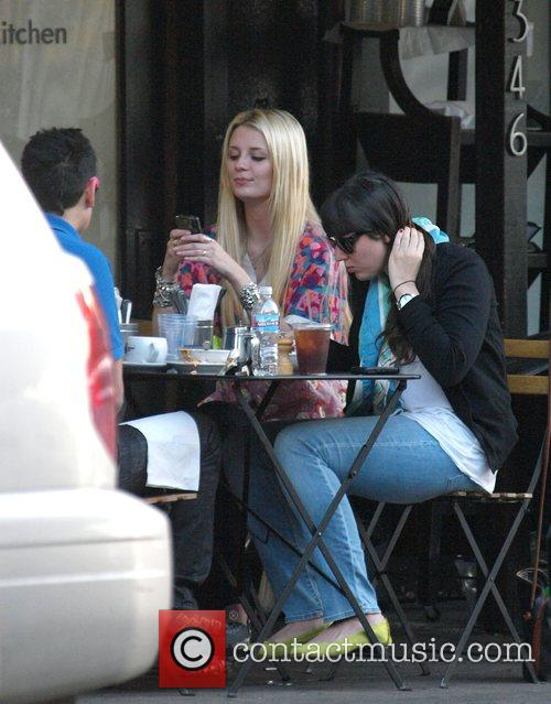 Mischa Barton has lunch with friends at Joan's...