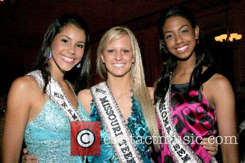 Jaymie Stokes, Lauren Petersen and Paige Hill Welcome...