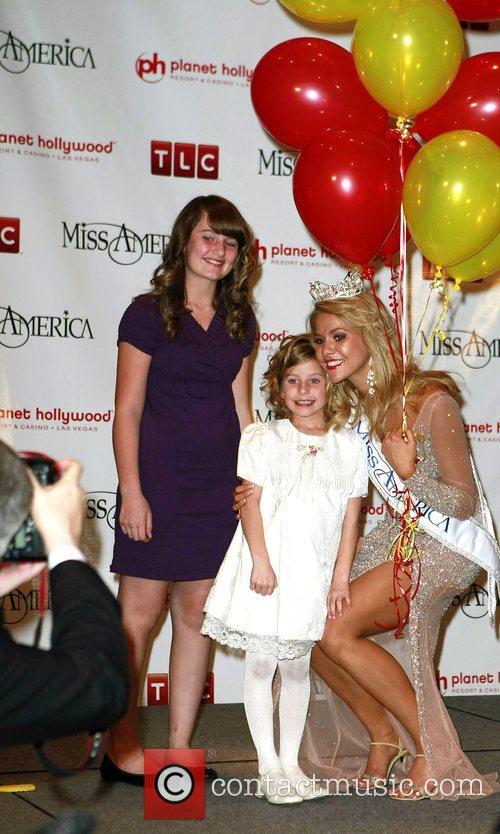 Kirsten Haglund, Miss Michigan, is crowned 2008 Miss...