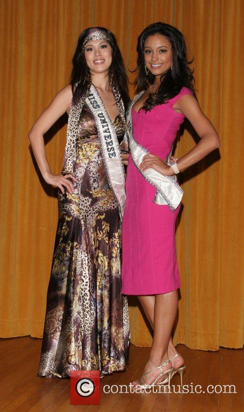Riyo Mori (Miss Universe 2007) and Rachel Smith...