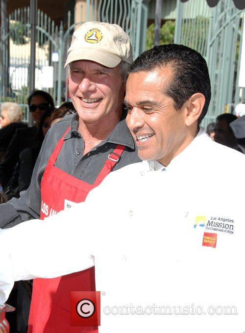 Harrison Ford and Mayor Antonio Villaraigosa 10