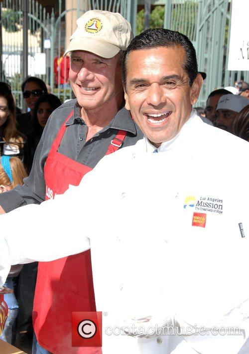 Harrison Ford and Mayor Antonio Villaraigosa 5