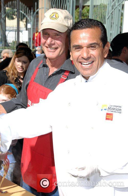 Harrison Ford and Mayor Antonio Villaraigosa 6