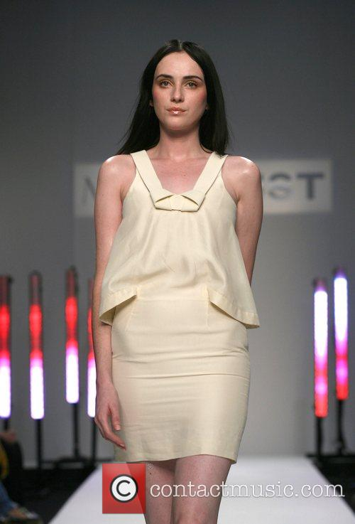 London Fashion Week Spring/Summer 2008 - Modernist -...