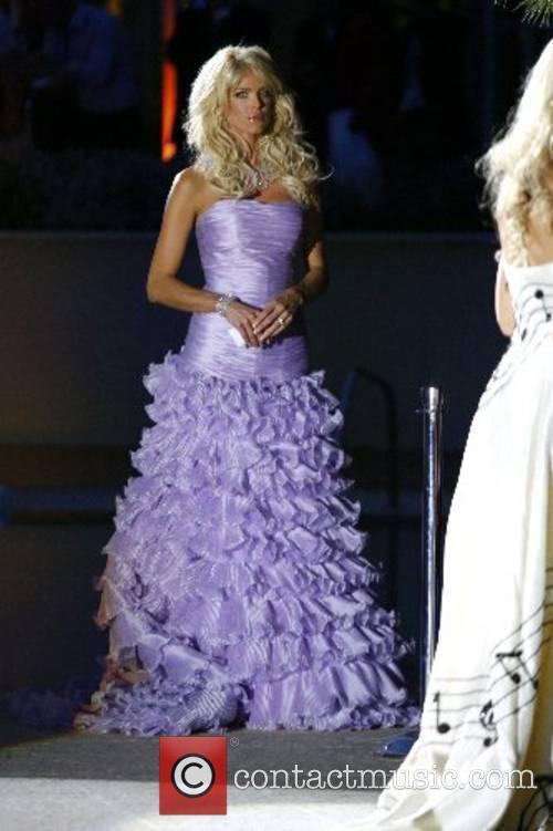 Model Amber Fashion: Grand Prix & Fashion Unite...