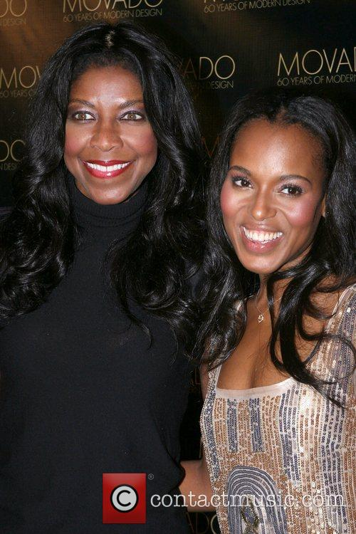 Natalie Cole and Kerry Washington 3
