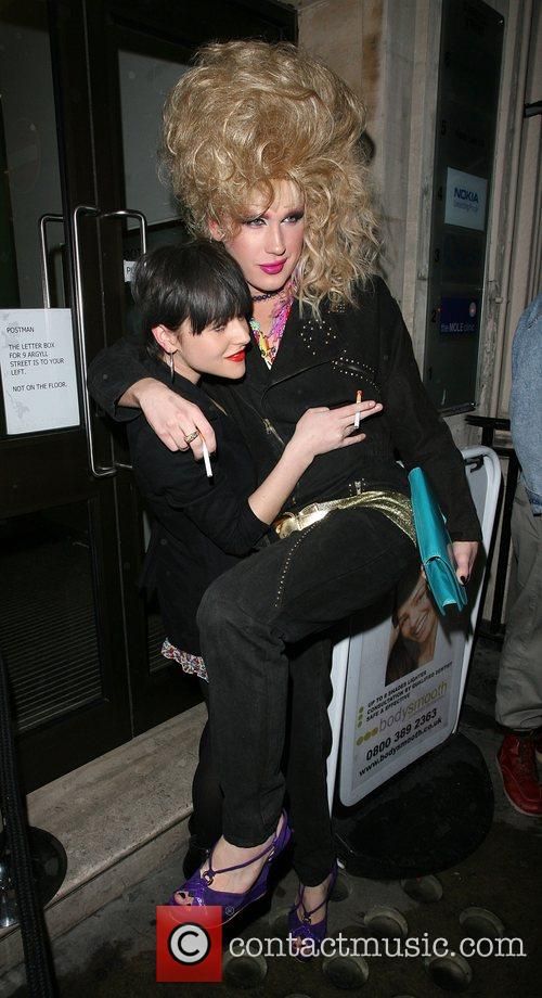 Jaime Winstone joins Jodie Harsh to celebrate his...