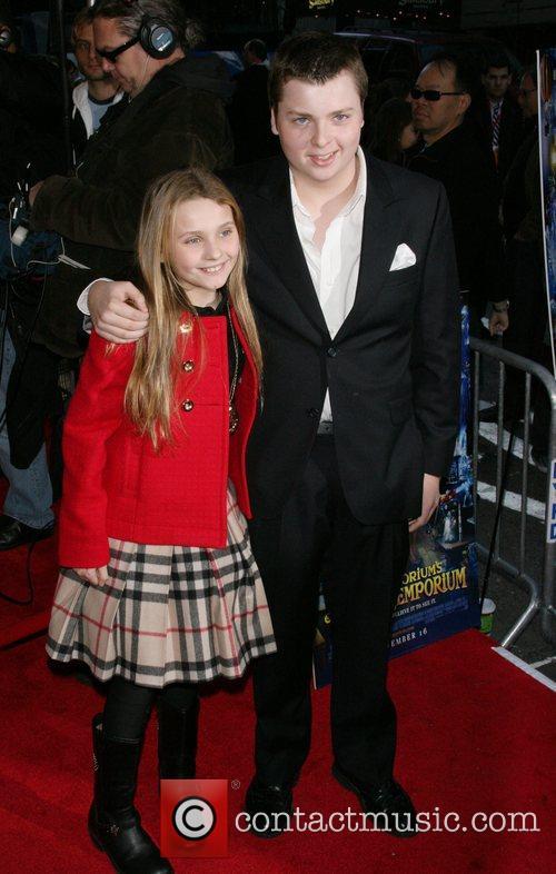 Abigail Breslin and Fox 1