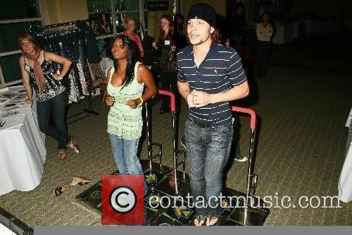 Shar Jackson and Justin Guarini try the popular...