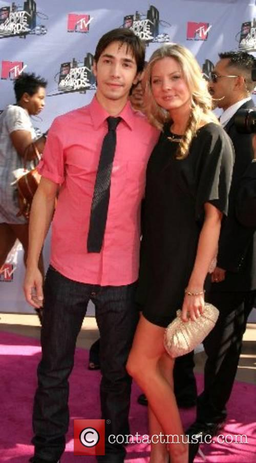 Justin Long and guest '2007 MTV Movie Awards'...