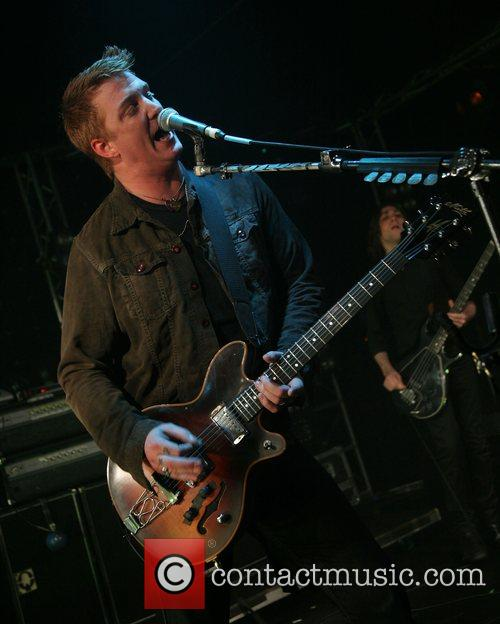 Queens Of The Stone Age and Mtv 4