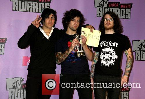 Pete Wentz, Andy Hurley, Fall Out Boy, Las Vegas and Mtv 4