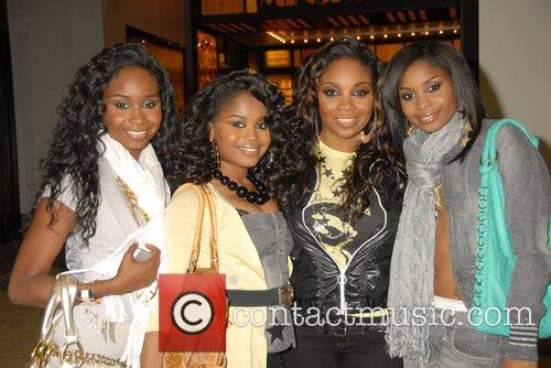 R&B quartet 'Cherish' at the MTV TRL studios