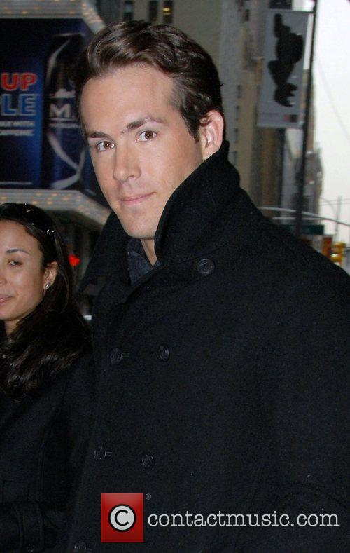 Ryan Reynolds, Mtv, Mtv Trl Studios and Times Square 2
