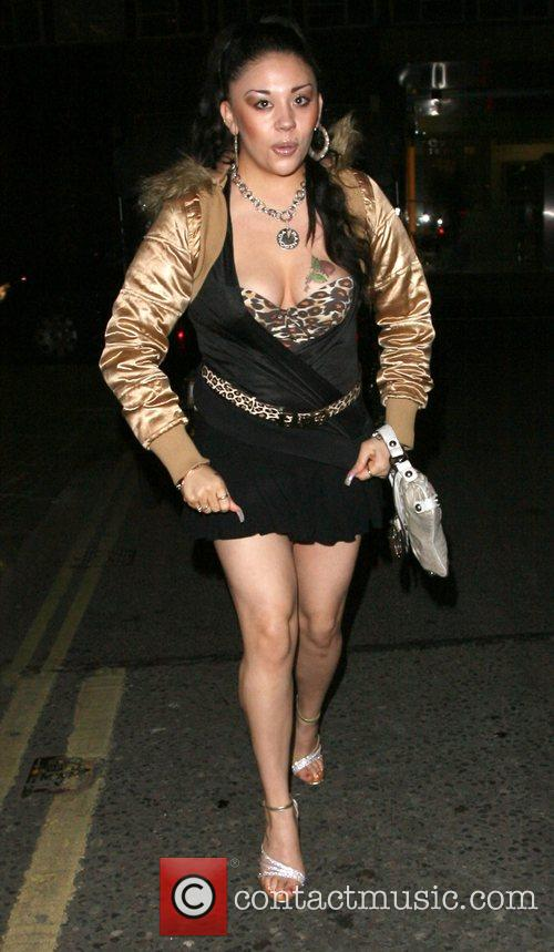 Mutya Buena arrives at Maya Nightclub with friends.