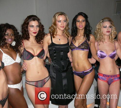 Models, Kristanna Loken MylifE Charity Dinner & Fashion...