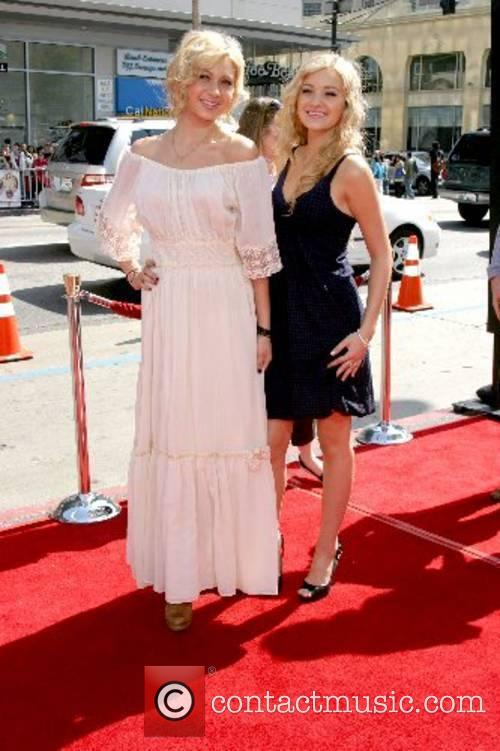 Alyson Michalka, Amanda Michalka World Premiere of