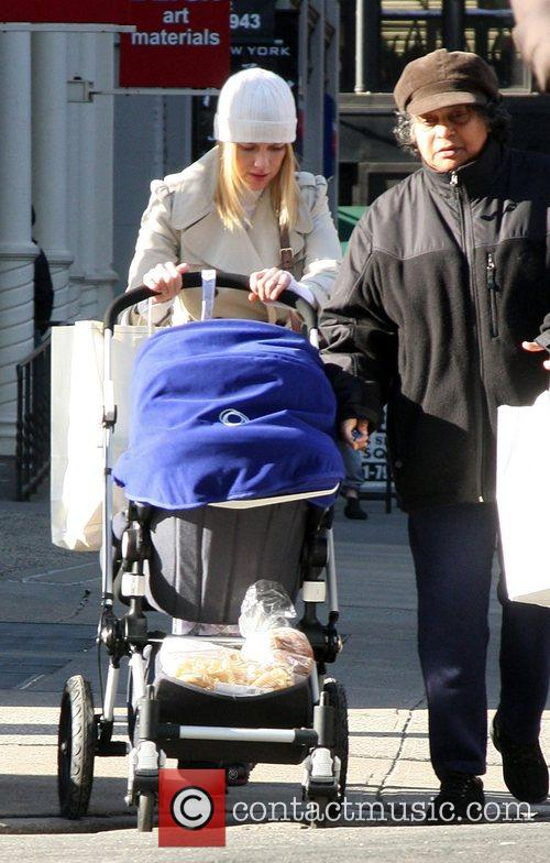 Naomi Watts and Alexander 4
