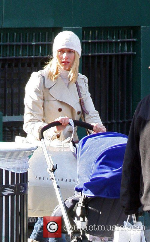 Naomi Watts and Alexander 5