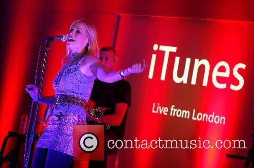 Natasha Bedingfield performing live at the Apple Store...