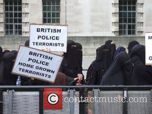A large group of radical Muslims and a...